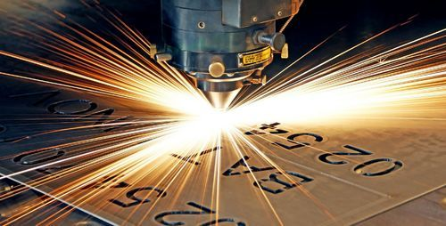 How to clean the protective lens of laser cutting machine?
